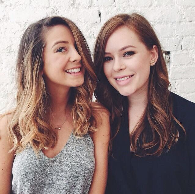 Zoe and Tanya look so pretty in this picture x