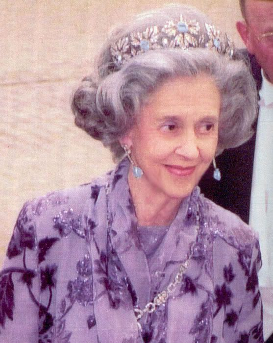 Spanish Wedding Gift tiara c1960. The center of the tiara's floral elements can be worn with aquamarines (as here), emeralds, and rubies. When Fabiola married Belgium's King Baudouin this tiara was a gift from General Franco of Spain.  See the Adaptable board for the other forms