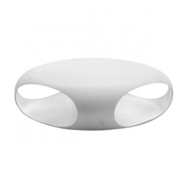 The openings in the structure of the table, one hand highlight its rounded shape, the other also have a practical function, as the body of the table can hold books, magazines or other items of daily use. Pebble is produced through the plastic rotational molding. Can also be used to 'outside.