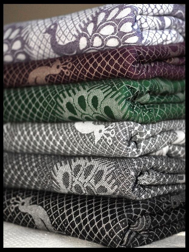Gah! Look at those pfau!! I didn't care for them at first but they're growing on me. I'd really like one. #collection #didymos #babywearing