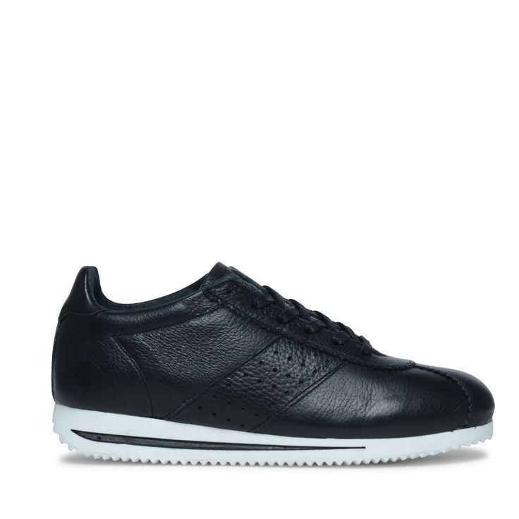 Sneakers zwart // Damesschoenen // 36.00 // Sacha.nl