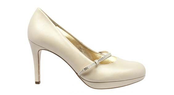 White wedding pumps by Högl