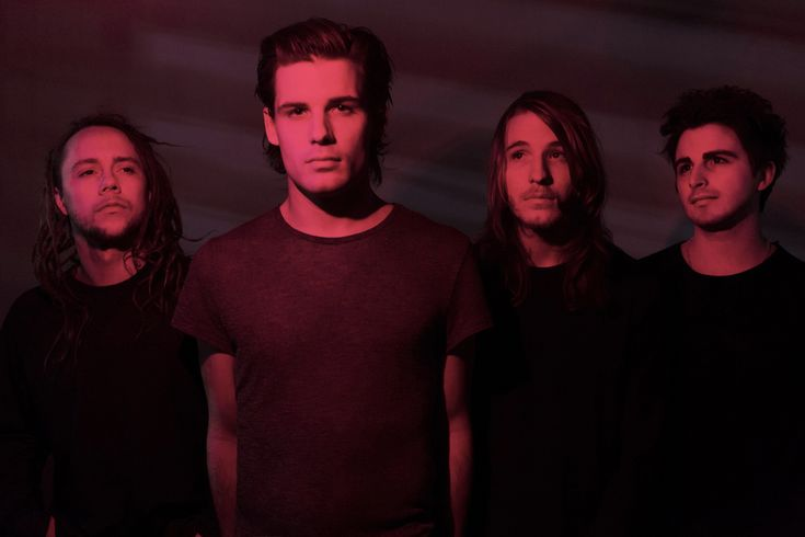 I See Stars are an electronicore band, based in Michigan, USA, consisting of vocalist Devin Oliver, guitarist Brent Allen, drummer, keyboardist and vocalist Andrew Oliver, and bass guitarist Jeff V…
