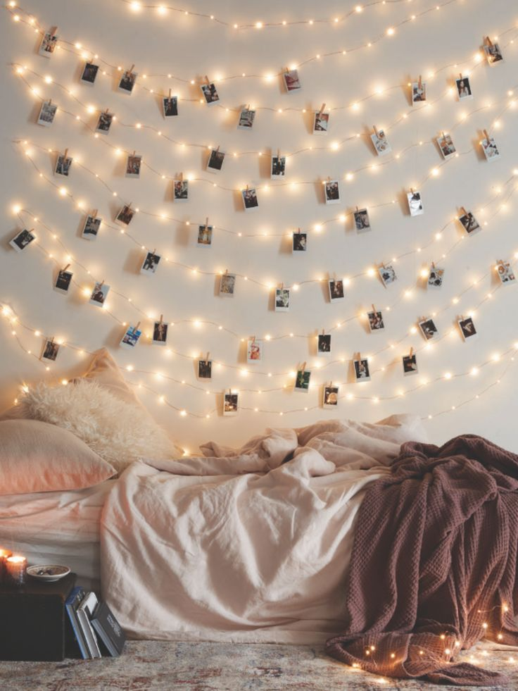Fairy lights + hanging polaroids: match made in heaven. (Diy Vanity Boho)