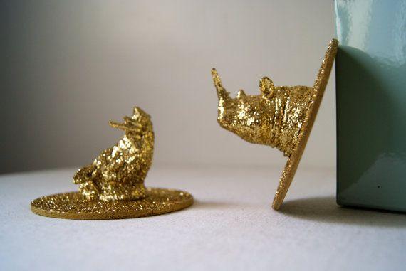 Trophées animaux Paillettes Dorées. Mini trophées de chasse vendus par 2. Décoration murale dorée et pailletée, girly, 8,5 cm de diamètre