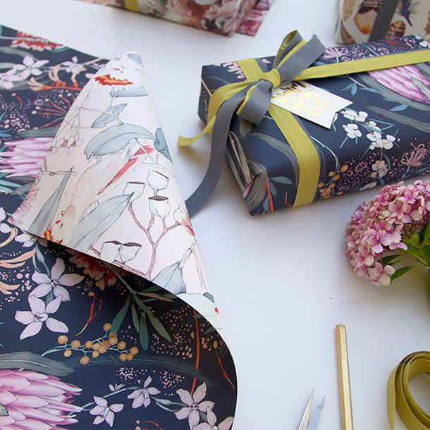 Double sided gift wrap   Native   Cockatoo
