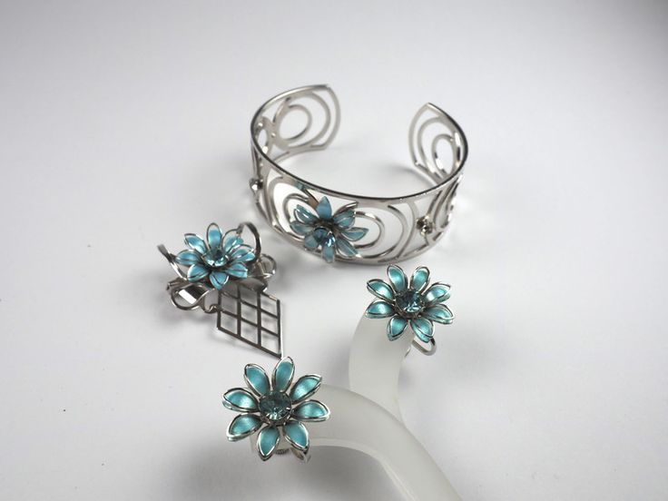 54 best bugbee and niles 1859 2009 images on pinterest for Bugbee and niles jewelry