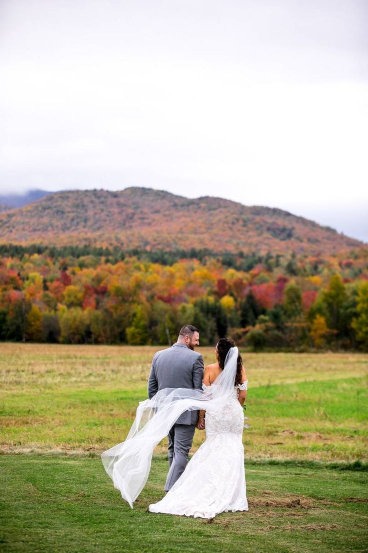 Rustic Stowe Wedding with Peak Foliage via Vermont ...