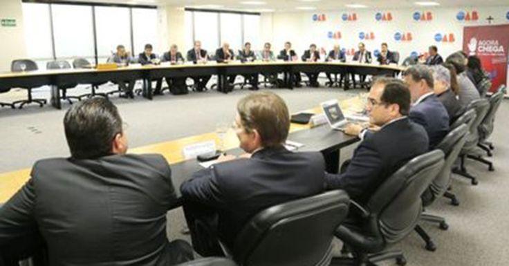 Em reunião extraordinária com 81 representantes de todos os estados brasileiros, convocada nesta sexta-feira (18) pelo Conselho Nacional da Ordem dos Advogados do Brasil (OAB), seis estados se mostrarm a favor sobre o pedido de impeachment da presidente Dilma Rouseff. As informações são do portal R7.18/03/2016.