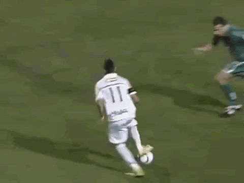 Neymar loses his pants in skill fail! Haha too funny from his pre Barcelona days. #Neymar #gif