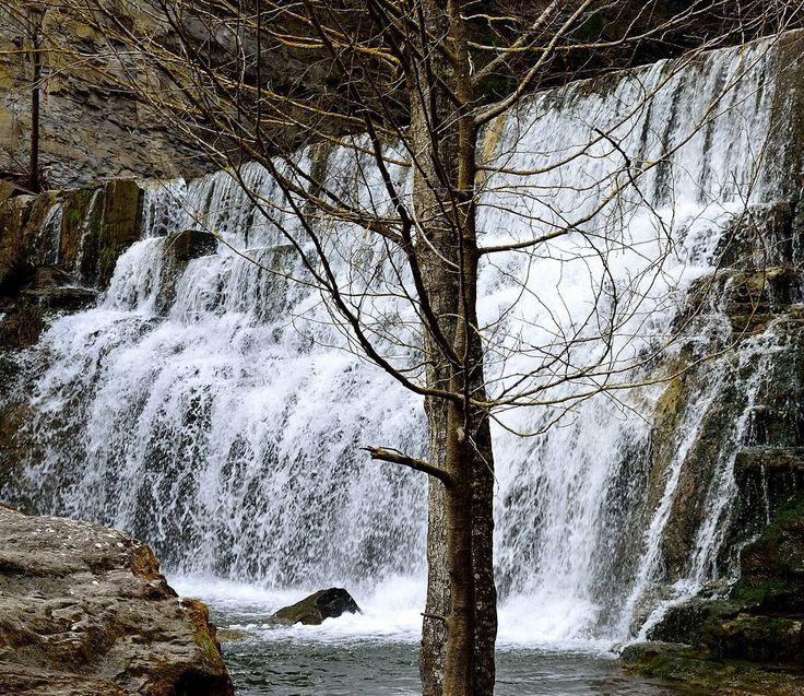 #saltodeagua #cascada #waterfall #rinconesconencanto #nicecorners #niceshots #relax #natureshots #naturelovers #niceplaces #rupit