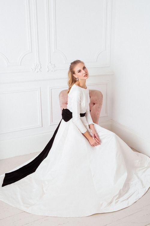The Hera Dress from The Nina Rose Bridal 2016 Campaign. Nina Rose is a London based luxury silk wedding dress designer. Shot by Amelia Allen photography.