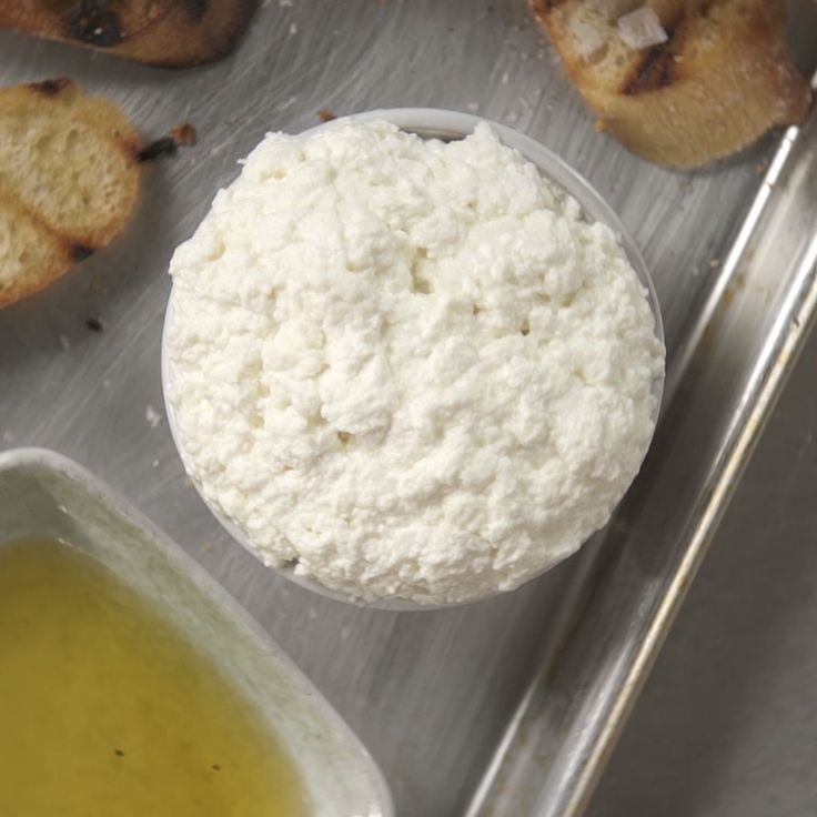 Frankie shows you how to make Ricotta.