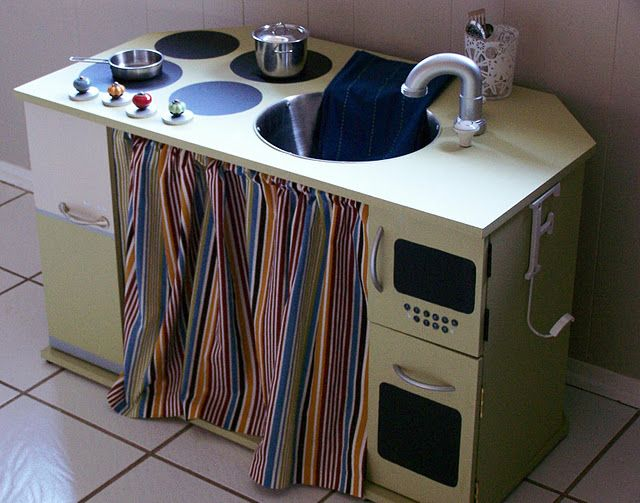 TV Cabinet KitchenKids Stuff, Kitchens Ideas, Diy Plays, Plays Kitchens, Faucets Ideas, Kitchens Faucets, Kids Kitchens, Play Kitchens, Crafts