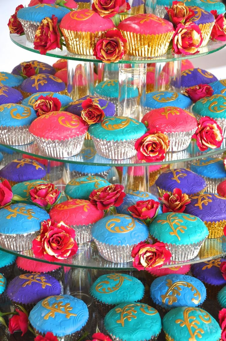 Cake Decorating Classes Luton : 51 best images about Bollywood wedding on Pinterest ...