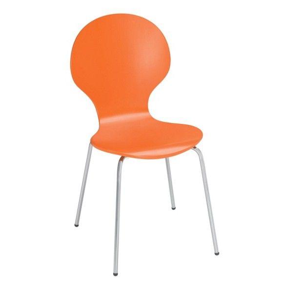 Dieser Stuhl von CARRYHOME ist praktisch und bequem. Aus furniertemBirkenholz und Lindenholzhergestellt, garantiert er beste Qualität. Dazu ist die Sitzschale in kräftigemOrangelackiert und so besonders chic. Ergänzt wird das Design u