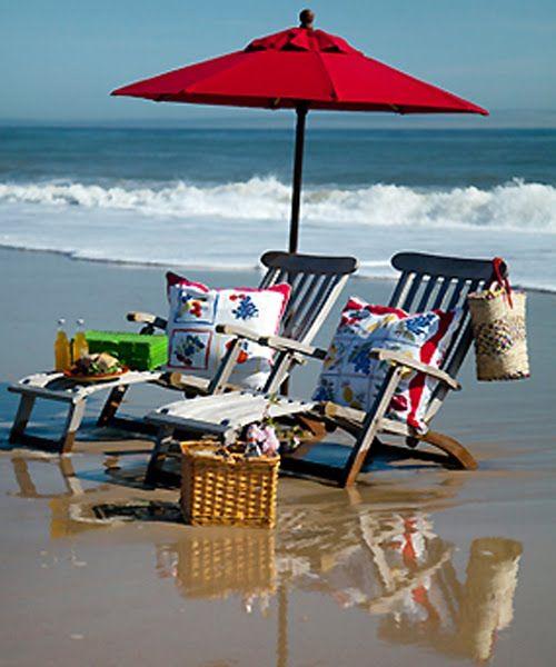 picnic on the beachRed Beach Umbrellas, Perfect Picnics, The Ocean, At The Beach, Red Umbrellas, Places, Beach Time, Beach Picnics, Beach Life