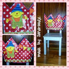 De wereld van een Draadje...een hoes voor een stoel gemaakt, een feeststoel. Natuurlijk mag Puk ( Puk & Ko ) niet ontbreken.