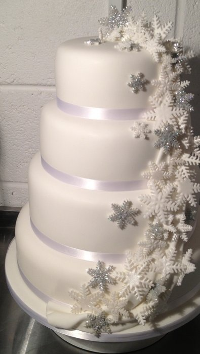 Snowflake Wedding Cake Should that magic day be in the winter <3
