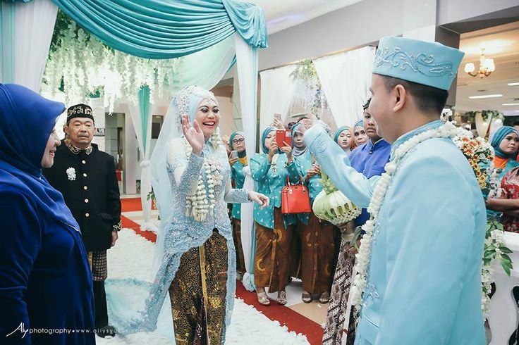 Two Traditional Wedding-Javanese & Minang Wedding Photographer