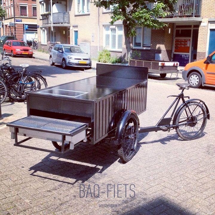 De BAQ-fiets. Een decennia-oude bakfiets heeft een drastische make-over en een compleet nieuwe bestemming gegeven: in de bak zit een barbecue van formaat en uiteraard veel vers eten.  www.baq-fiets.nl