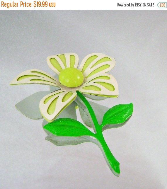 SALE Vintage Flower Brooch 70s Retro Mod Flower Power Lime