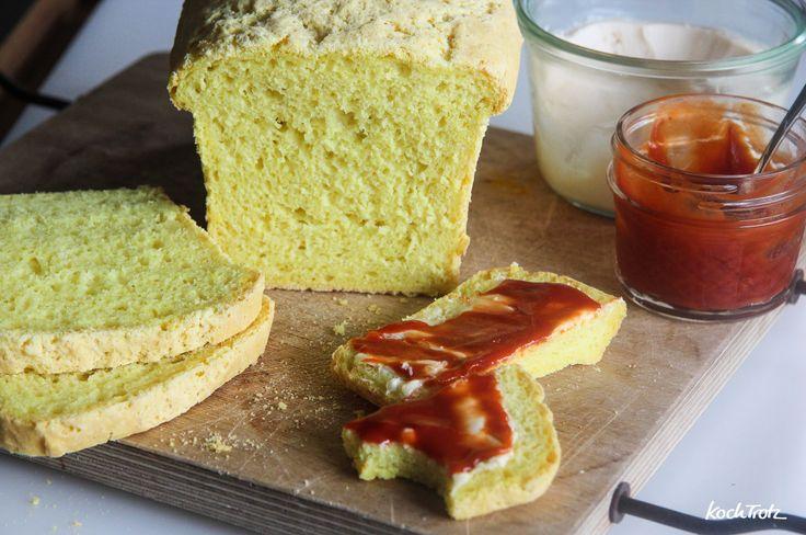 Endlich ein Rezept für ein glutenfreies Toastbrot, das auch noch am nächsten Tag genießbar ist und nicht komplett ausgetrocknet. Im Rezept stehen Optionen für vegan. Es ist sooooo gut, dass es mögl...