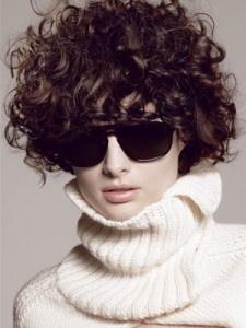 Dai forma ai tuoi ricci! 40 foto per scegliere il taglio capelli che fa per te! capelli-corti-ricci6 – Rose In The Wind