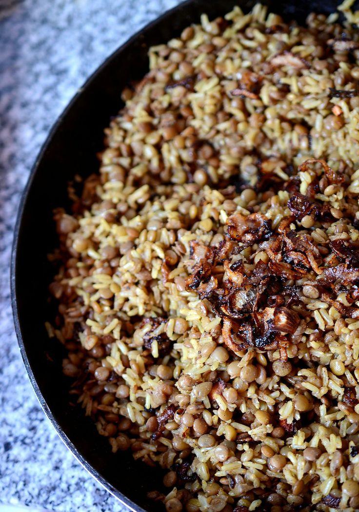 Mejadra - lentejas con arroz http://novivedeensalada.wordpress.com/2014/03/26/mejadra-enchulando-las-lentejas-con-arroz/