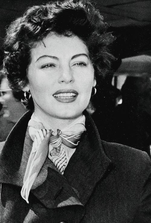 jodockerys:  Ava Gardnerarriving at Nairobi airport to film Mogambo (1953)
