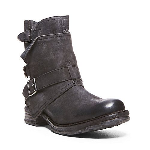 Possibly replace my current boots with these... PUDDDLES BLACK LEATHER women's bootie flat casual - Steve Madden