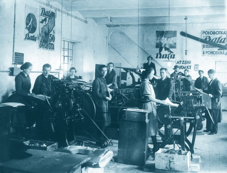 Bata factory and employees in Czech Republic, ca. 1920 #batashoes