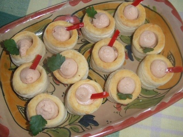 #Aperitivos de crema de salmón Ver #receta de #Navidad: http://www.mis-recetas.org/recetas/show/26932-aperitivos-de-crema-de-salmon