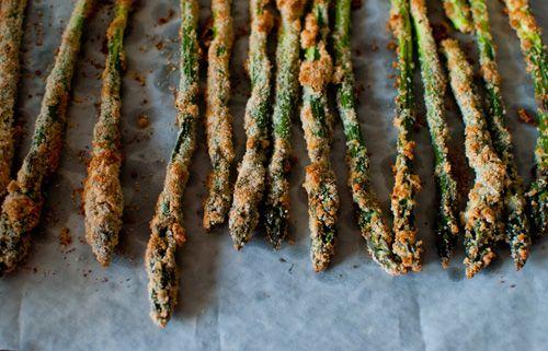 Dine & Dash: parmesan crusted asparagus: Dash, Baking Parmesan Crusts, Crusts Asparagus I, Amb Crosta, Parmesan Crusts Asparagus, Crusts Asparagus Yum, Crusted Asparagus, Veggies Sides, Mmmm Food Yummy