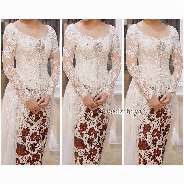 White Kebaya,Simpel tapi elegan