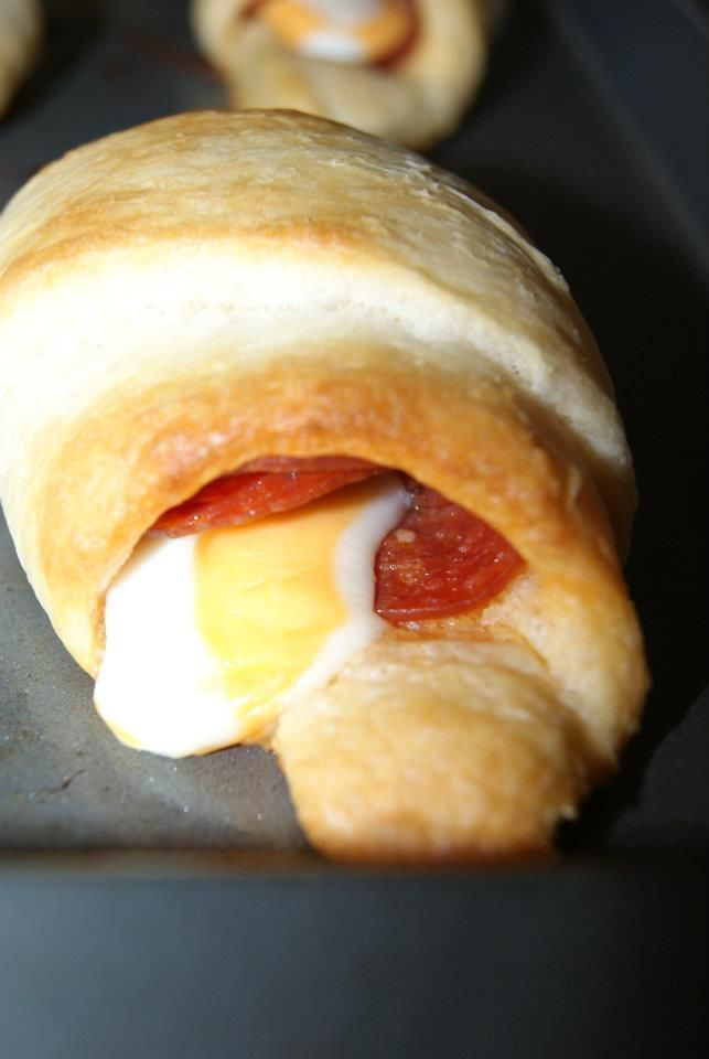 Pepperoni cheese string rolls