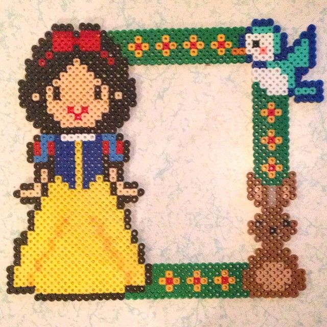 Snow White picture frame perler beads by jsminnie7