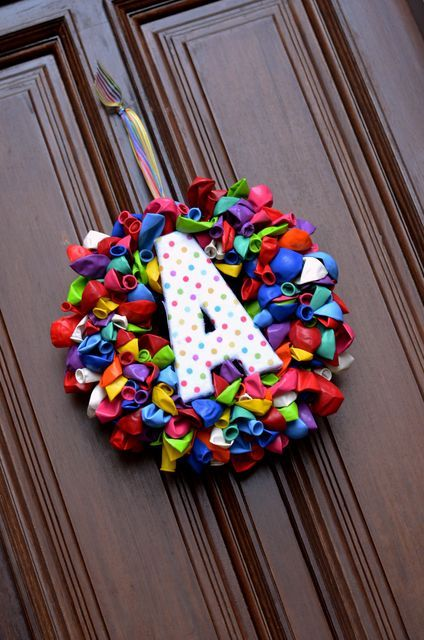 """I really need to make one of these birthday balloon wreaths to celebrate our """"birthday week"""" in February."""
