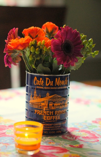 a pretty cool life (sweet blog and I want flowers in a coffee can now!)
