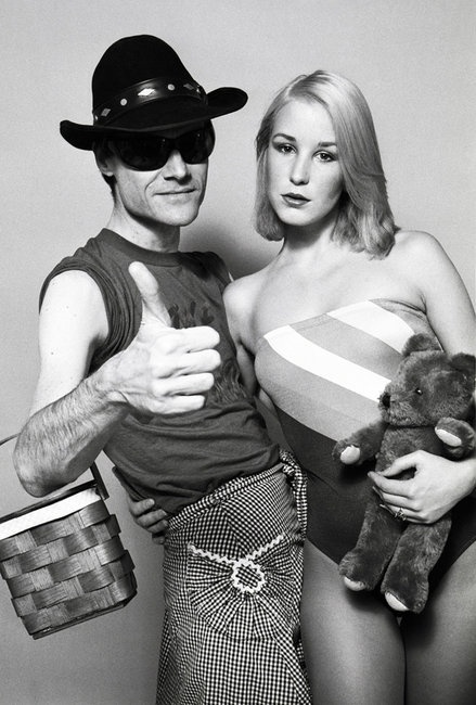 The Runaways producer Kim Fowley and his girlfriend, 1977