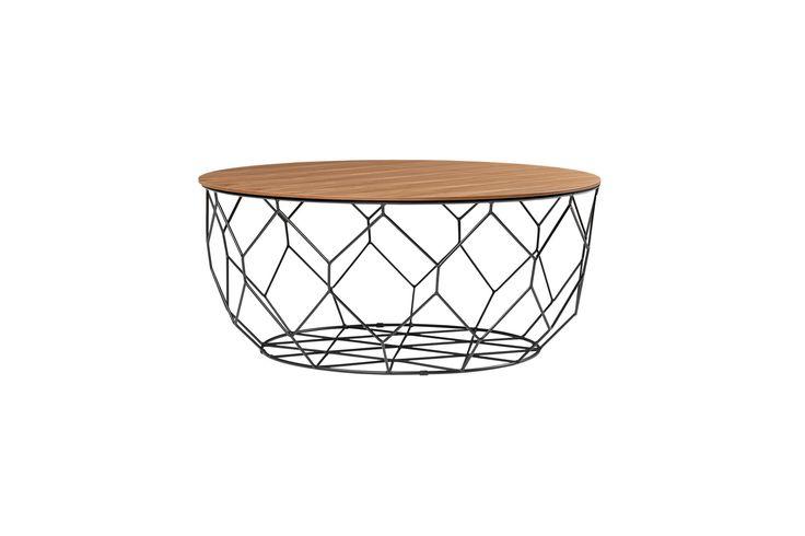 Det här bordet, med inspiration från honungskakans naturliga form, har samma styrka och lätthet som en bikupa. En stålram med utrymme för det mesta, och avtagbar bordsskiva som garanterat klarar en afternoon tea – med eller utan honung.
