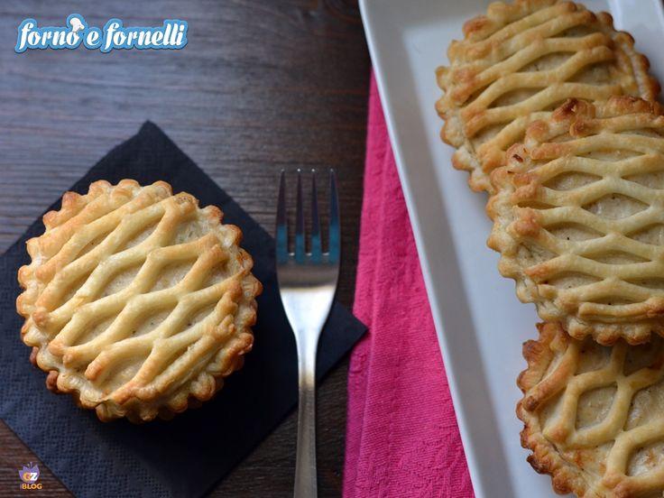 La crostata tonno philadelphia è un'idea semplice e simpatica per offrire a pranzo o a cena un piatto originale.