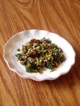 celery leaf tsukudani セロリ葉っぱの佃煮~ピリッと辛いよ♪ (celery leaves)