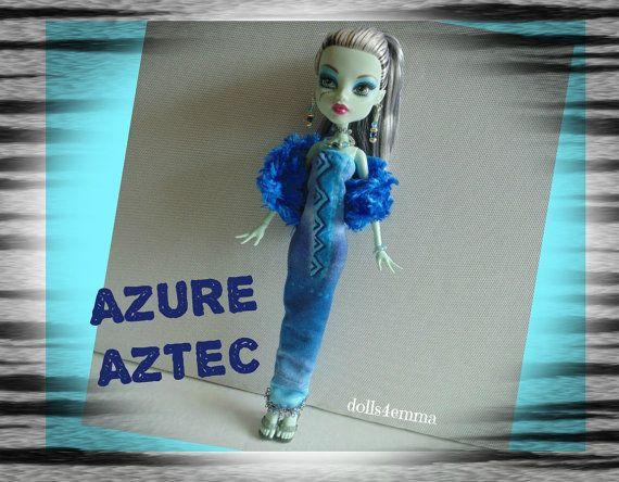 Monster High Doll kleding - aangepaste handgemaakte mode - blauw pluche Boa Shimmery jurk en sieraden Set - door dolls4emma