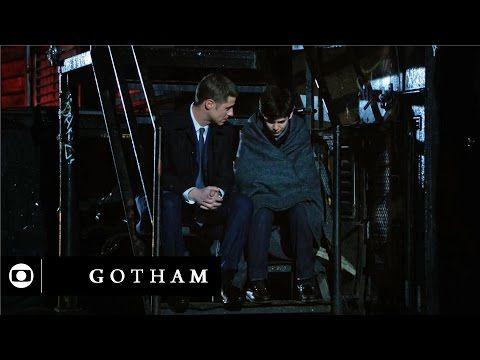 Gotham: James Gordon faz promessa a Bruce Wayne na estreia, dia 3 - YouTube