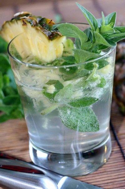 Pinapple Vodka Tonic