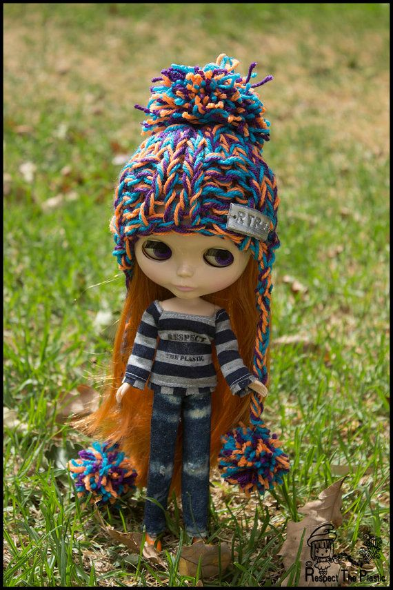 Kiosk  Off to Margs  Beanie/Hat for Blythe by minni64 on Etsy, $25.00