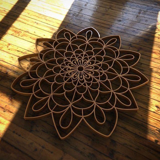 """""""Mandala significa círculo em palavra sânscrito. Mandala também possui outros significados, como círculo mágico ou concentração de energia, e universalmente a mandala é o símbolo da integração e da harmonia."""" #handdrawn #lasercut #mandalas #mandala"""