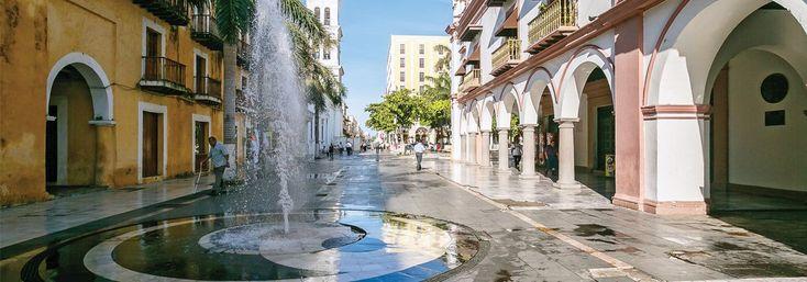 5 lugares para disfrutar de Veracruz. Éstas son las actividades que no puedes dejar de realizar durante tu próxima visita al puerto jarocho, donde la historia, la alegría y el buen sabor de su cocina tradicional ¡son una garantía!