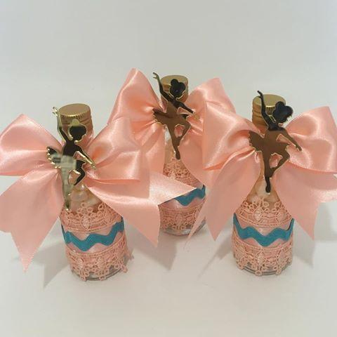Personalizados Festa Bailarina #scrapfesta #scrapluxo #personalizadosdeluxo #bailarina #festabailarina #lafet_lafet #lafet  Bailarina em acrílico @loja_lashe